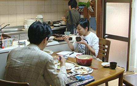 ご試食中!!出来あがっては撮影。ご試食。